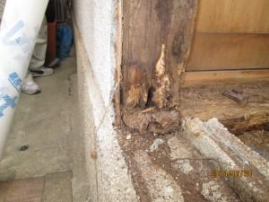 腐食した柱・土台