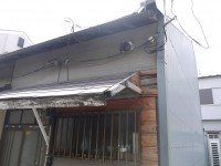 倒れた外壁